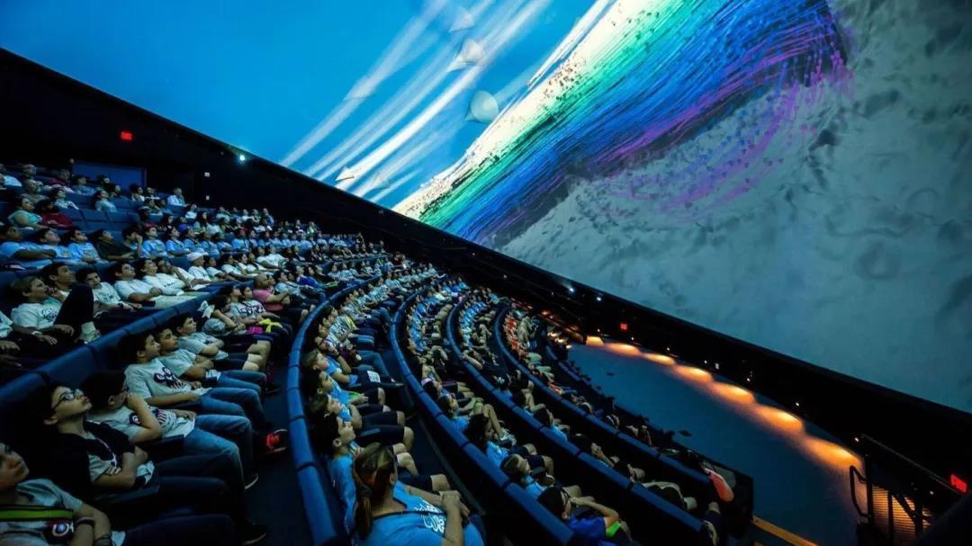 沉浸式飞行球幕影院
